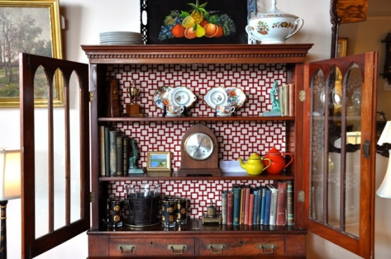 Ways to decorate a hutch