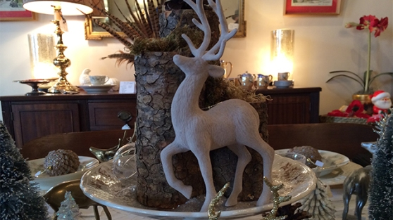 Need a centerpiece for your Christmas dinner? This reindeer instantly sets the theme.